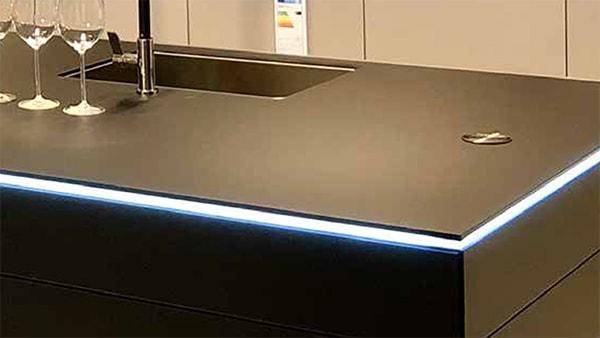 glas arbeitsplatte bei küchen staude