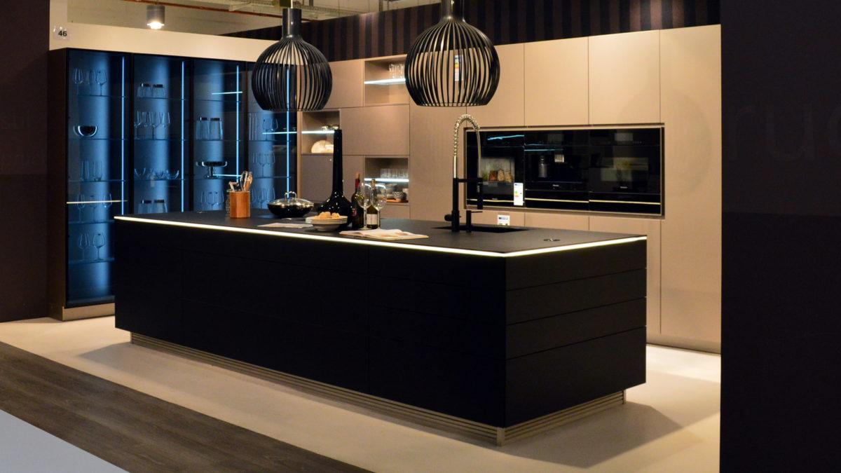 schwarze warendorf küche in der küchen staude ausstellung