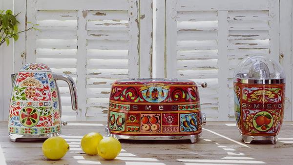 Smeg sicily is my love küchengeräte design von dolce und gabbana mit zitronen