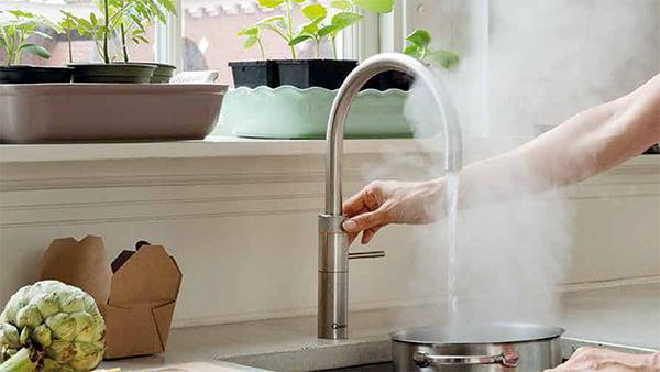 wasserhahn quooker mit kochendem wasser und dampf