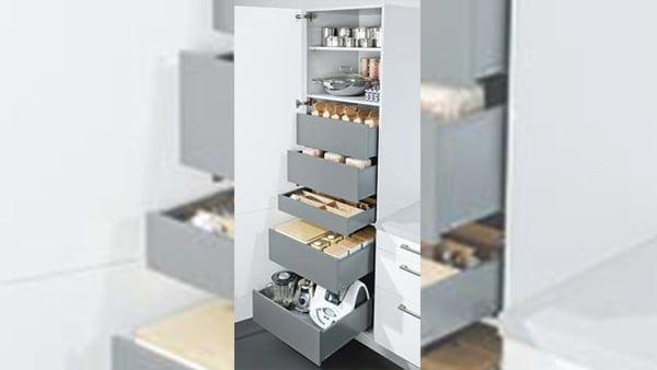Küchenhochschrank mit auszügen
