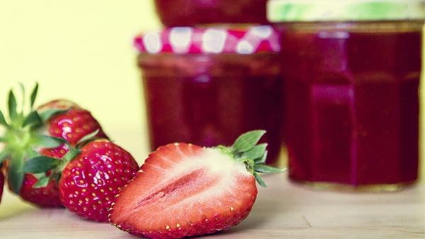 rezept für eine selbstgemachte erdbeerkonfitüre