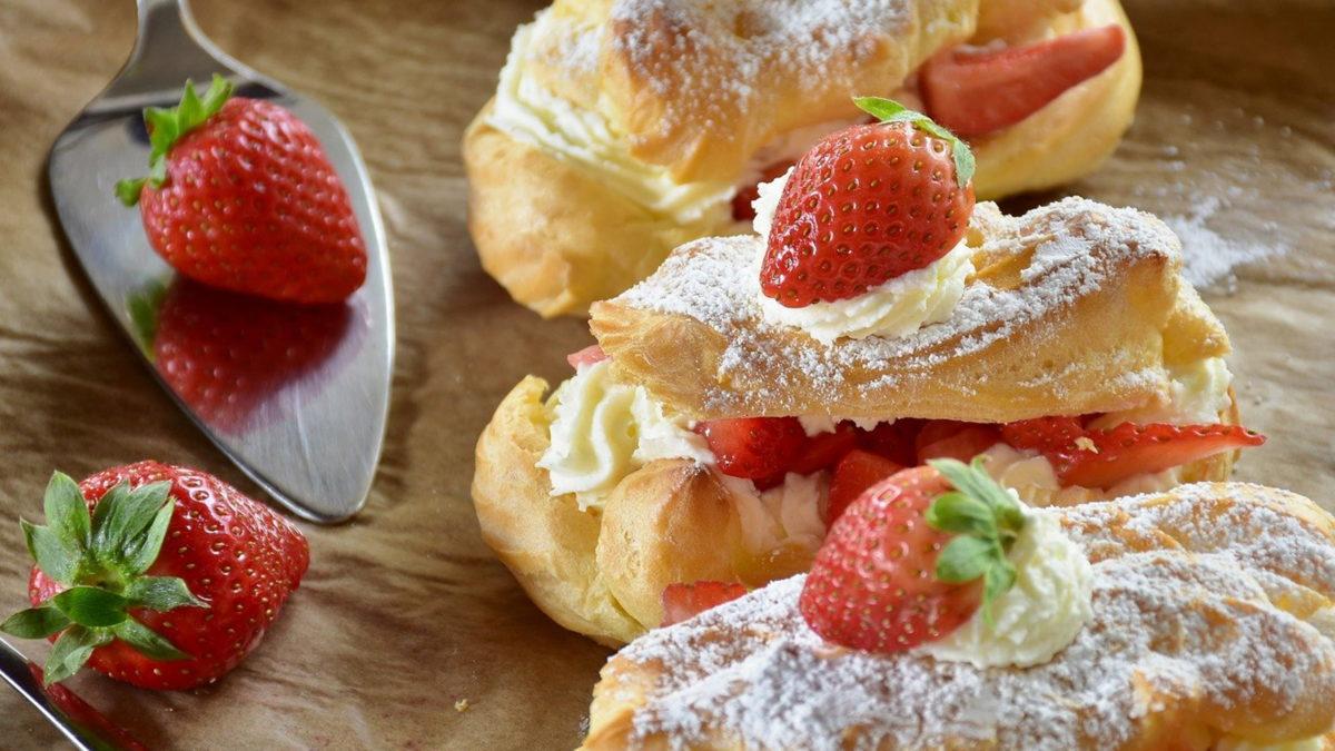 rezepte mit erdbeeren wie eclairs mit schlagsahne füllung