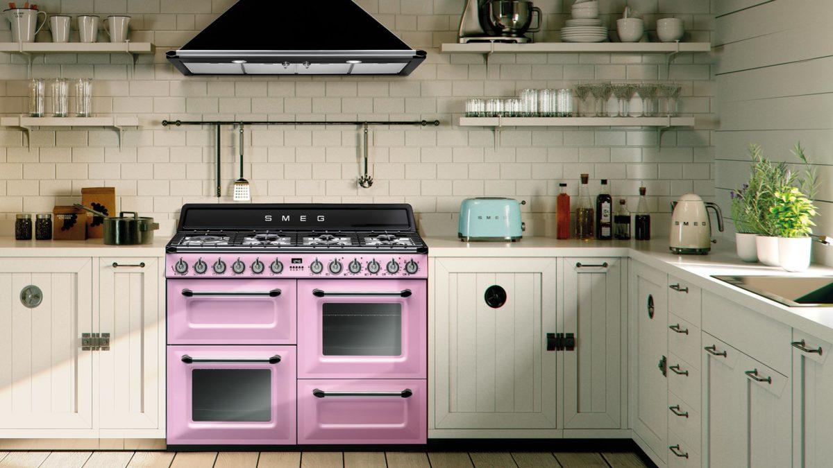 range cooker test header mit smeg kochzentrum in pink